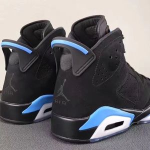 competitive price 3fc02 b2db6 Jordan 6 Retro UNC Near NEW Basketball Shoes